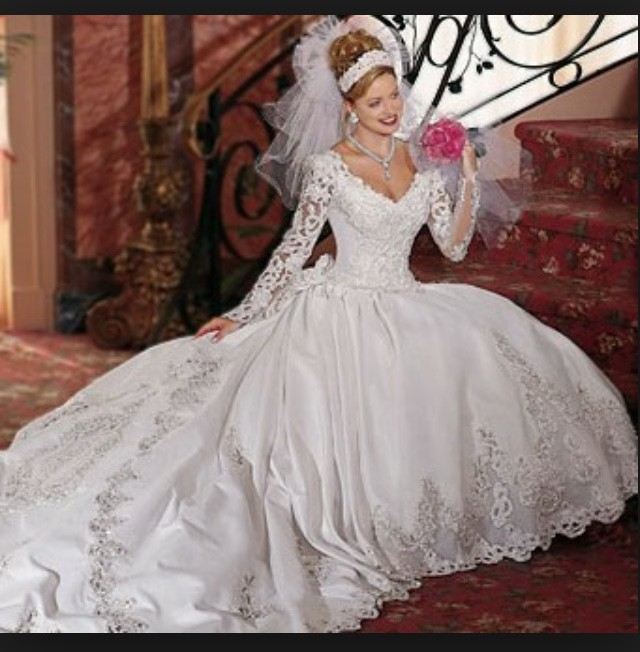 Pc Mary, Ball Gown