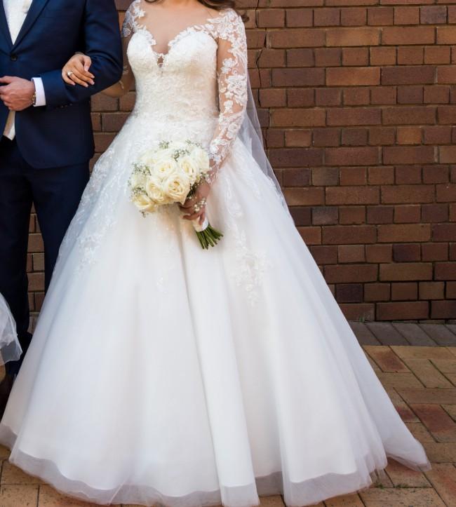 5d84e42e9d6 Allure Romance 3059 Second Hand Wedding Dress on Sale 54% Off ...
