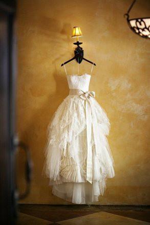 f6598691ca1d Vera Wang Eliza New Wedding Dress on Sale 58% Off - Stillwhite