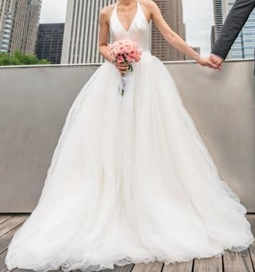 04f67bfb287 Vera Wang Halter Tulle Wedding Dress Used Wedding Dress on Sale 67% Off -  Stillwhite Canada