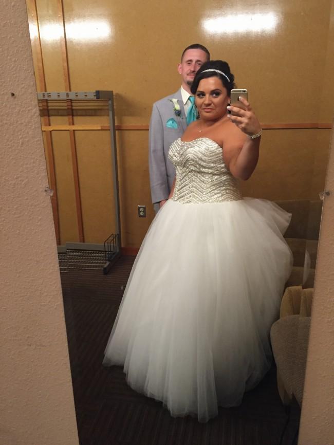 27a9912903a David s Bridal Bling princess Wedding dress Preowned Wedding Dress ...