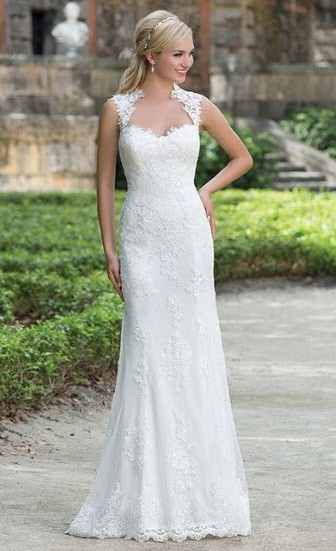 Justin Alexander, Queen Anne and Illusion Back Lace Gown, 3885