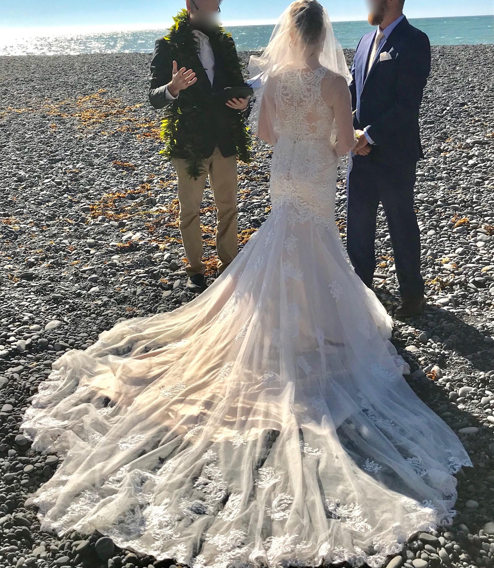 Essense Of Australia D2174 Lace Wedding Dress With Halter