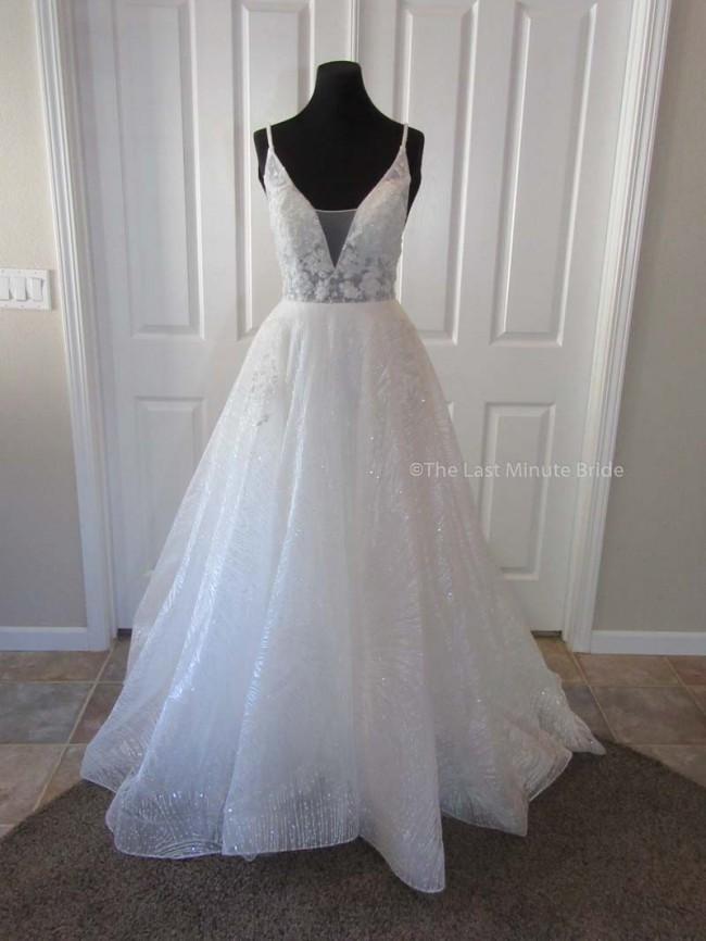 The Last Minute Bride, Fiona