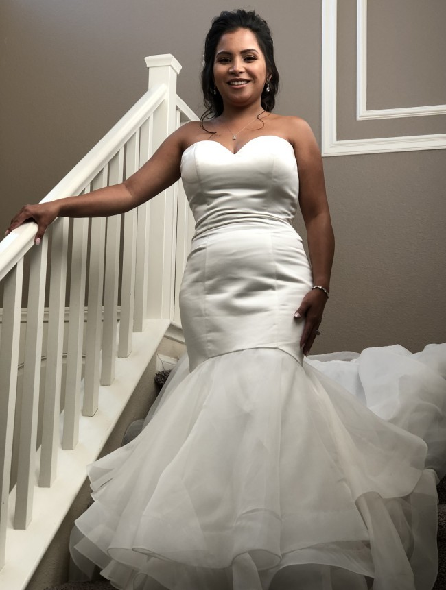 Allure Bridals, Allure 9416