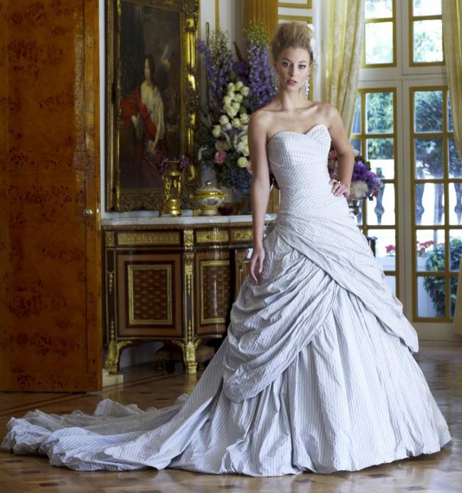 Ian Stuart Libertine Used Wedding Dress On Sale 45% Off