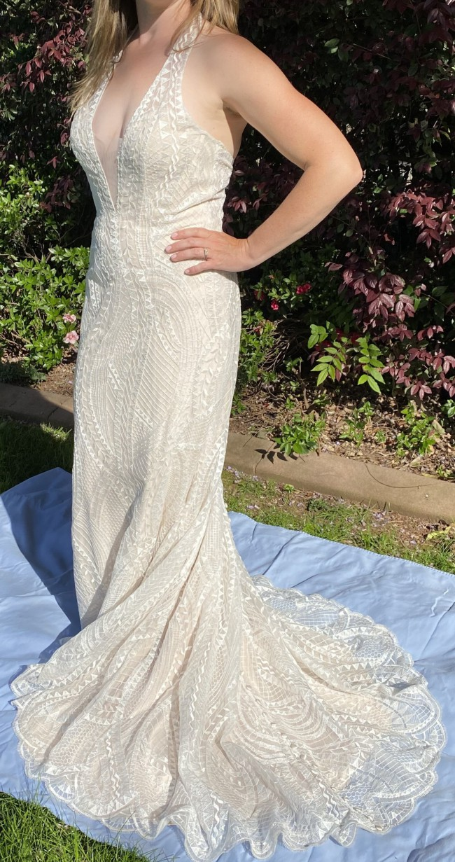 Allure Bridals 9522