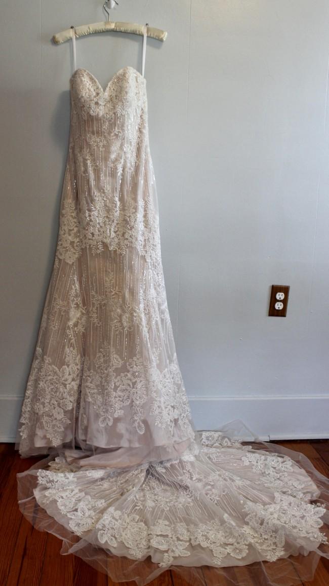 Allure Bridals 9350