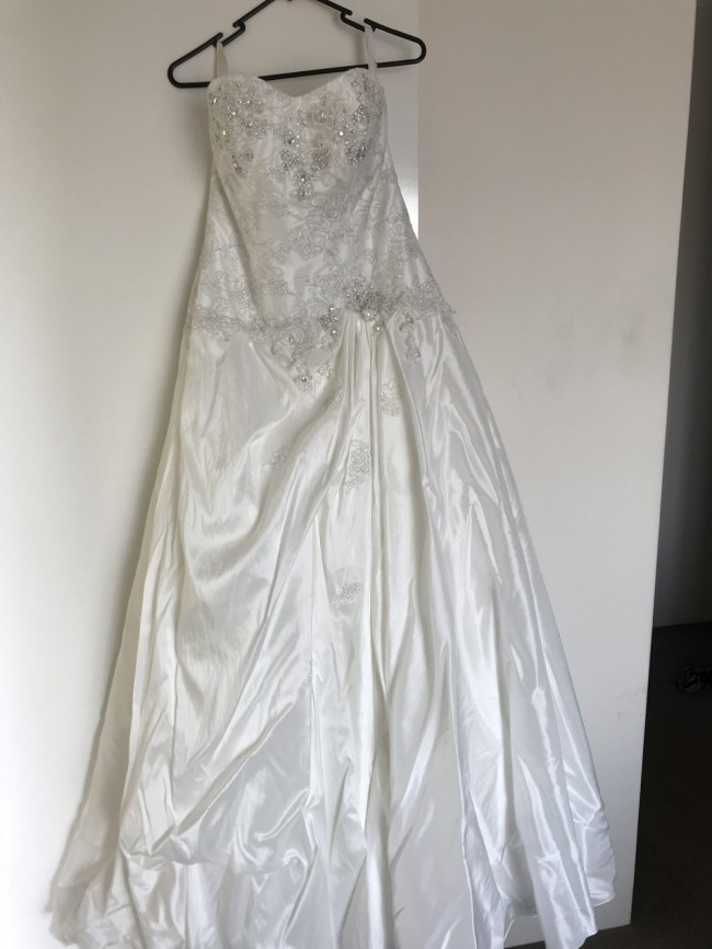 Hobnob Bridal, Ball Gown
