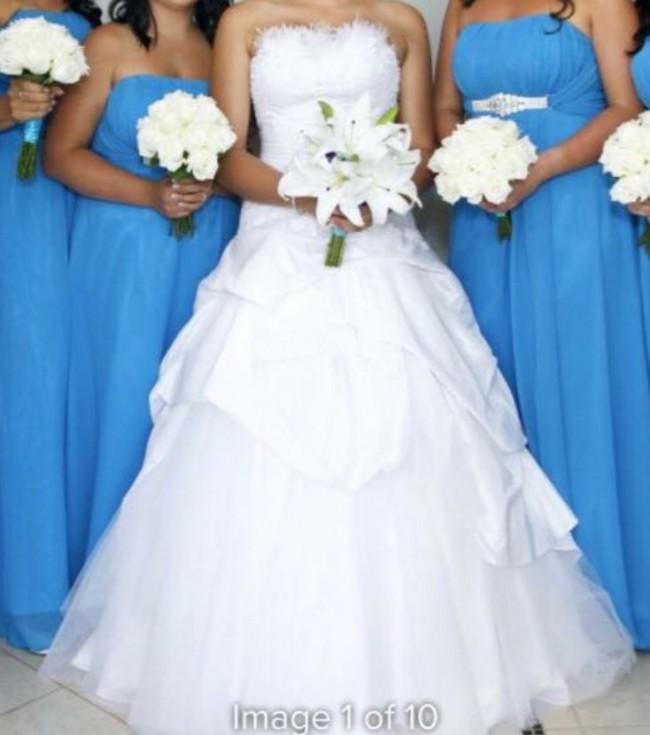 Hobnob Bridal, Burlesque