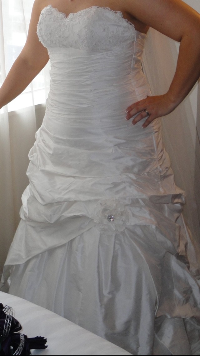 Jessica Bridal, Custom Made