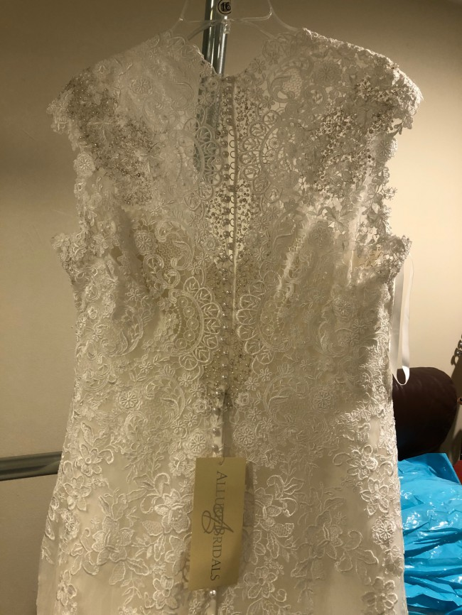 Allure Bridals 9113