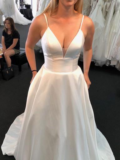 Allure Bridals, 9570