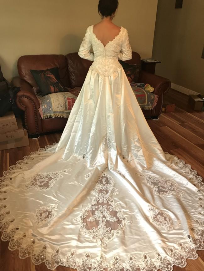 b46917e143 Gloria Vanderbilt RN84270 New Wedding Dress on Sale - Stillwhite ...