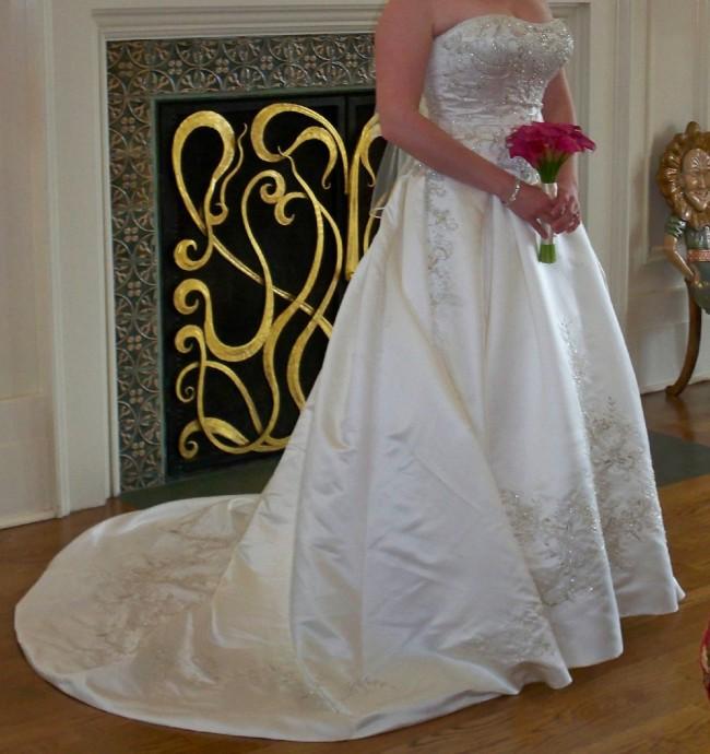 Casablanca Bridal 2055