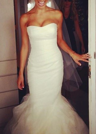 188fc3db7ec6 Vera Wang Gemma Second Hand Wedding Dress on Sale 50% Off ...