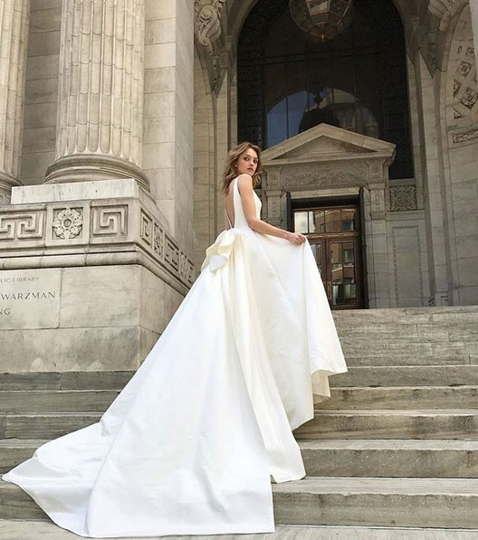 White Wedding Dress Store Toronto: Monique Lhuillier Used Wedding Dress On Sale 20% Off