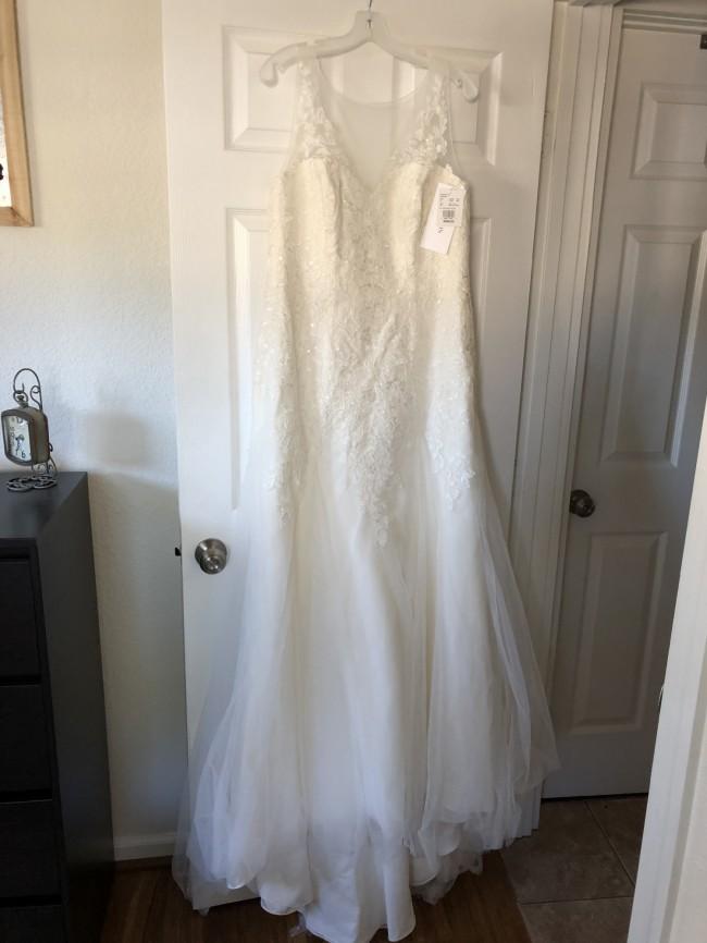 5f12915539d6 David's Bridal MK3718 New Wedding Dress on Sale 27% Off - Stillwhite ...