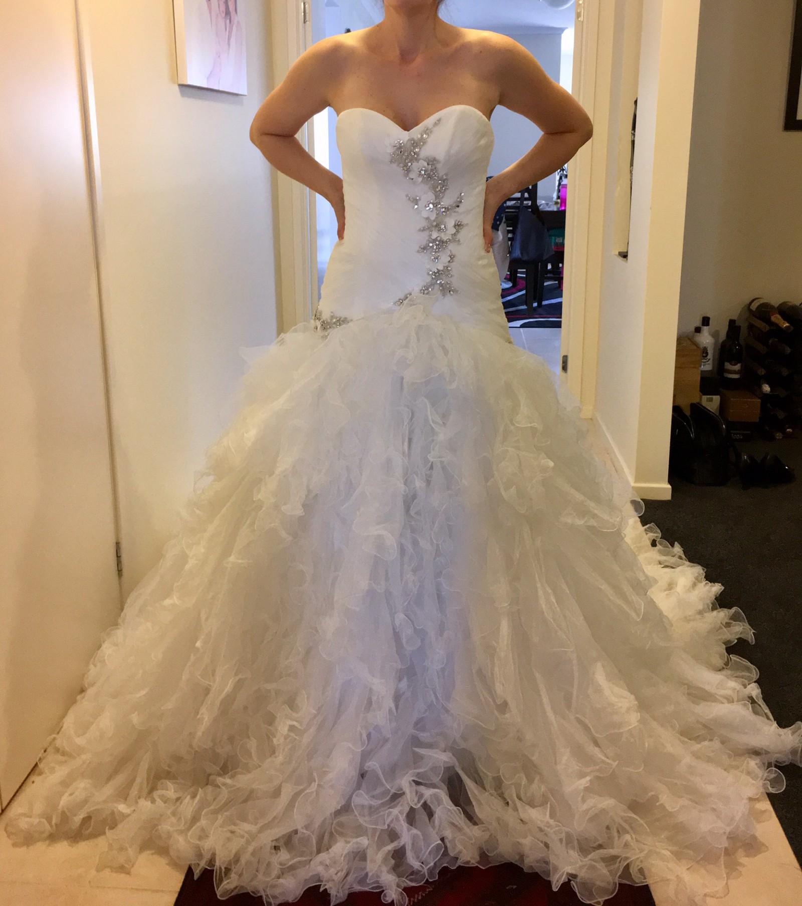 Maggie Sottero V7126 New Wedding Dress On Sale 80% Off